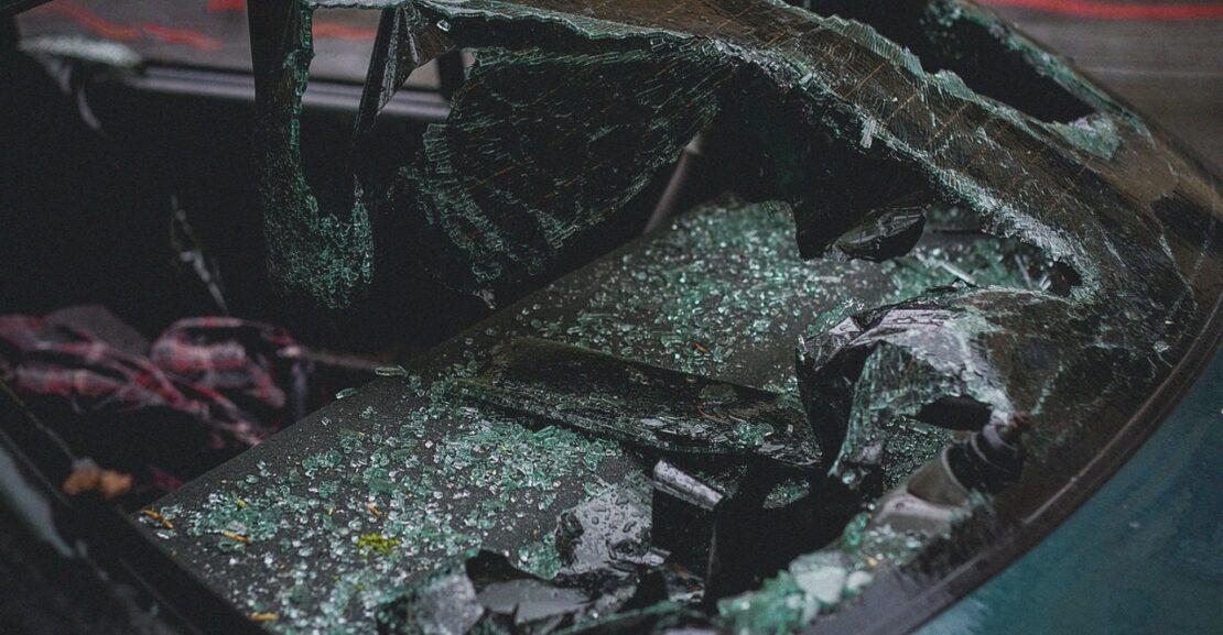 Udskiftning af forrude på bil
